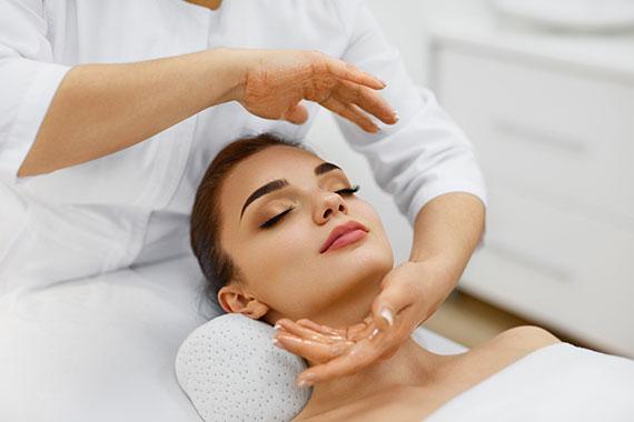 Картинки по запросу массаж лица обучение